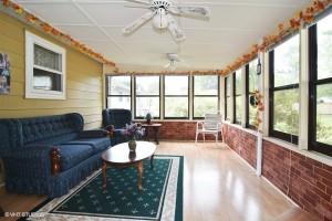09_2315Meadowdr_97_SunRoom_LowRes