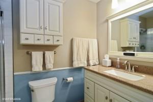 14_4569Gettysburg_8_Bathroom_LowRes