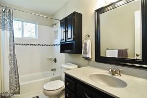 12_218NCadydr_8_Bathroom_LowRes