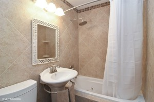 11_3900Eagle_8_Bathroom_LowRes