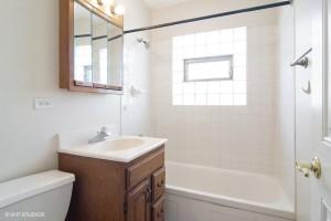 07_1101SChestnutave_8_Bathroom_LowRes