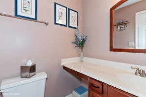15_1125AscotWay_323_Bathroom_LowRes